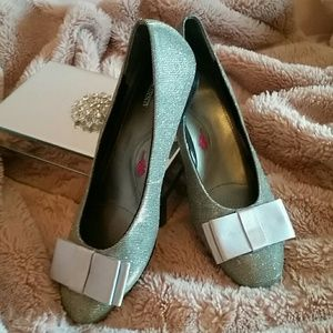 Ros Hommerson Silver Dress Shoe